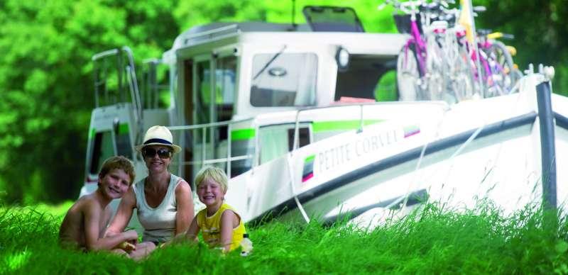 Tourisme fluvial sans permis et en pénichette avec Locaboat